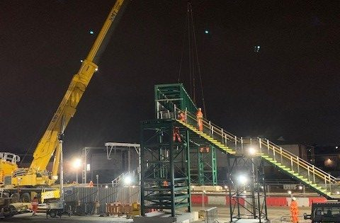 Installation of a temporary bridge at Brent Cross West railway station