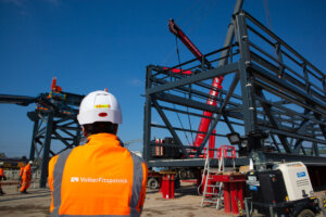 The installation of the first half of the Eastern Overbridge